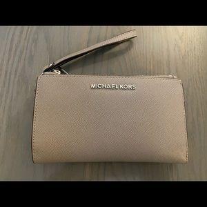 Micheal Kors Wallet Wristlet